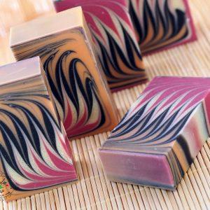 натурален сапун без Палмово масло - Како, Манго, Шия