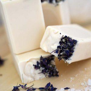 натурален сапун с кокосово масло и морска сол